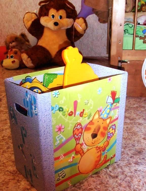 Два варианта, как сделать ящик для игрушек своими руками