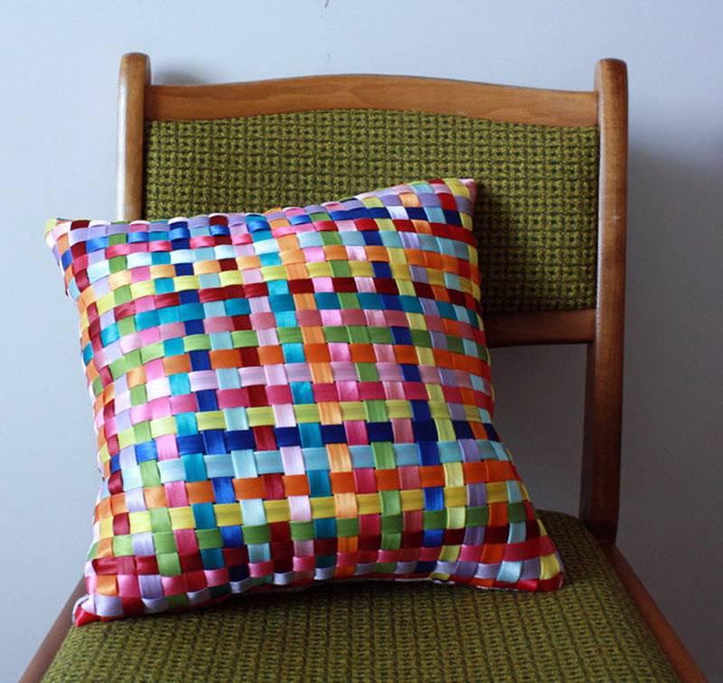Лоскутное шитье: подушка из квадратов и аппликация. пошаговый мастер-класс для начинающих.