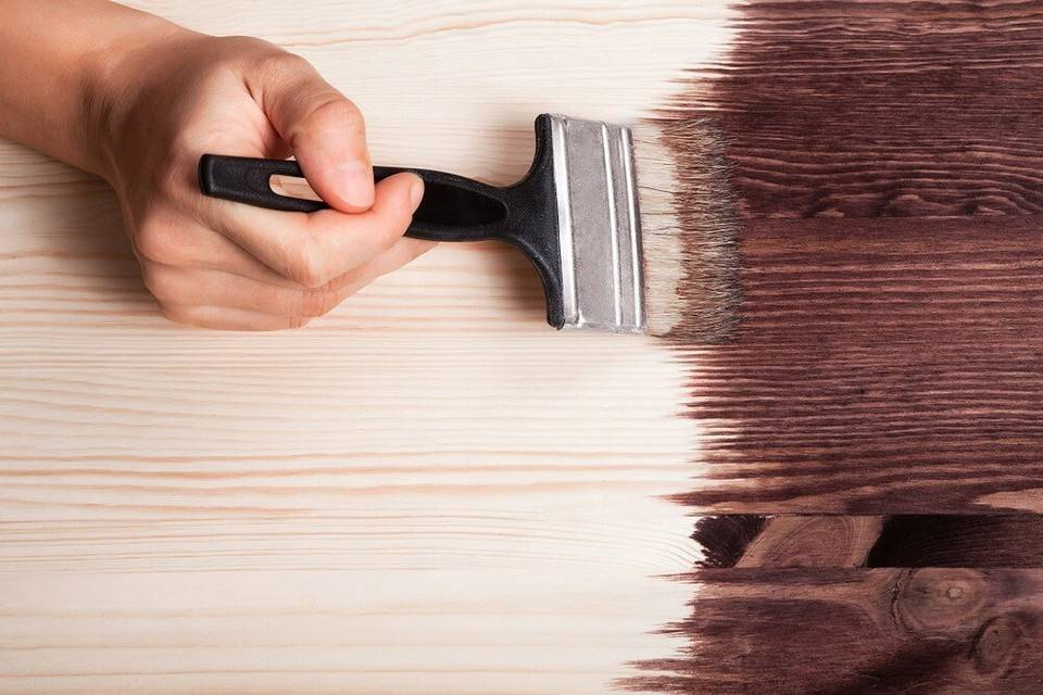 Грамотная покраска дверей – как выбрать состав и правильно обновить двери