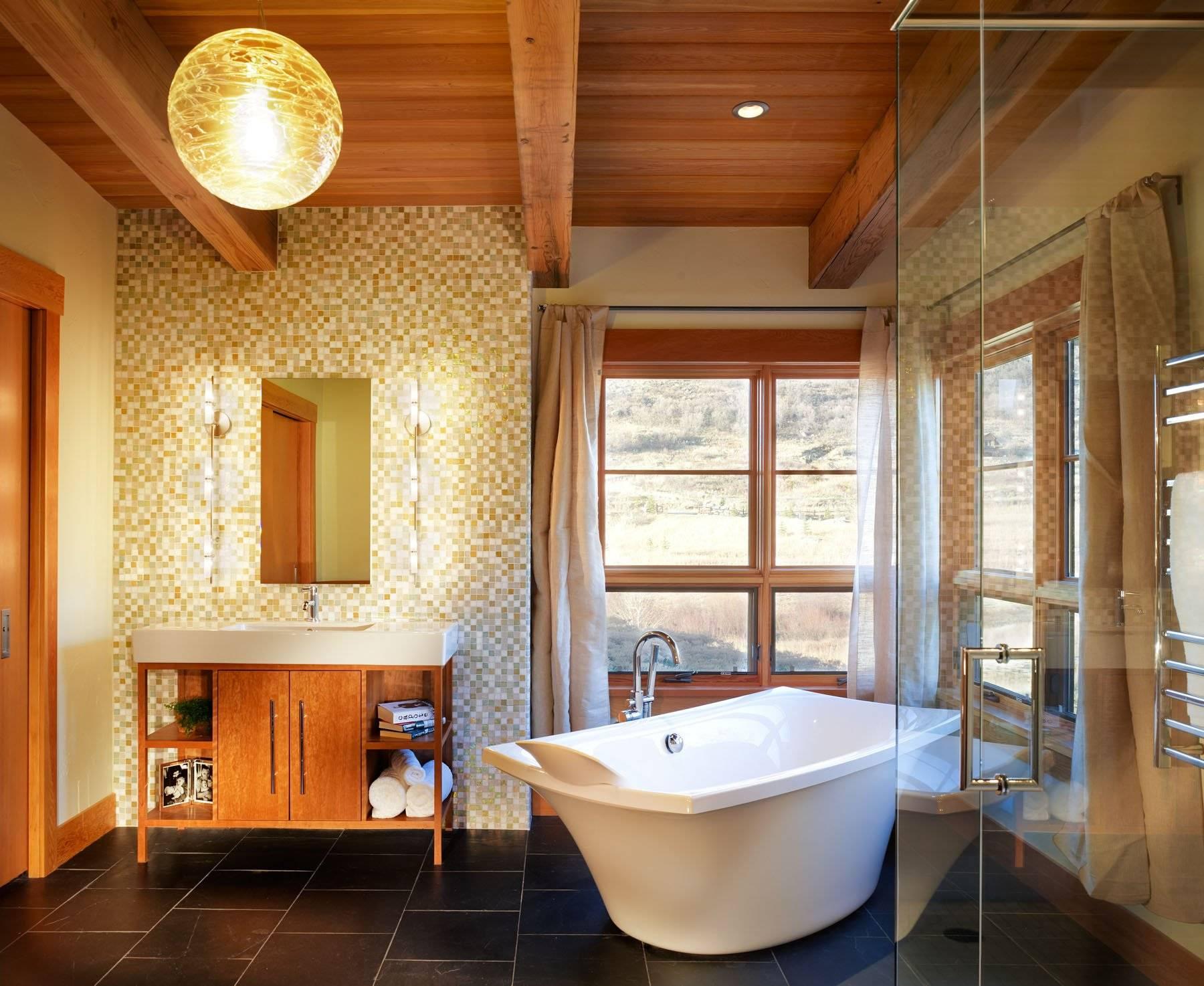 Ванная в деревянном доме - 28 фото примеров