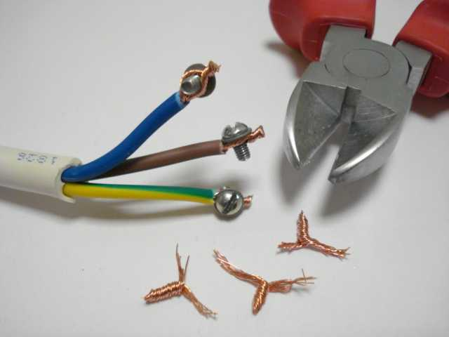 Электрическая вилка и ее самостоятельная замена — разбираемся со всех сторон