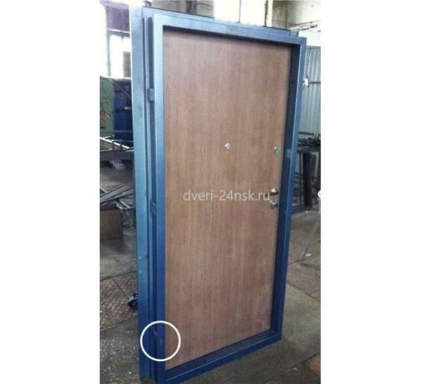 Железная дверь своими руками - 2 варианта, мастер-класс!