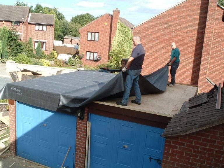 Крыша гаража (74 фото): чем покрывают односкатные конструкции, варианты с гидроизоляцией, как правильно крыть двускатную крышу