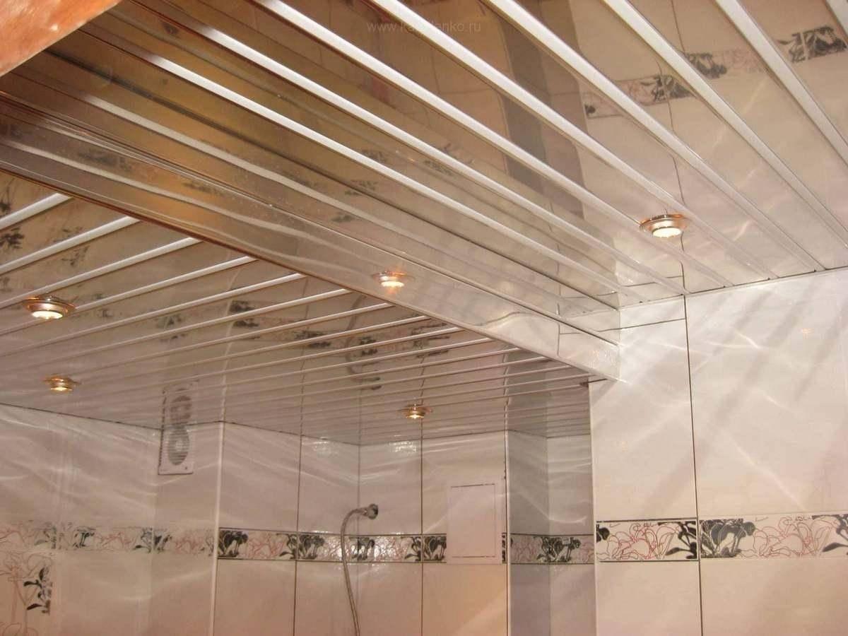 Отделка ванной комнаты — какой потолок лучше?