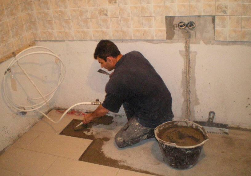 Материалы и способы, чтобы сделать бюджетный ремонт ванной комнаты своими руками