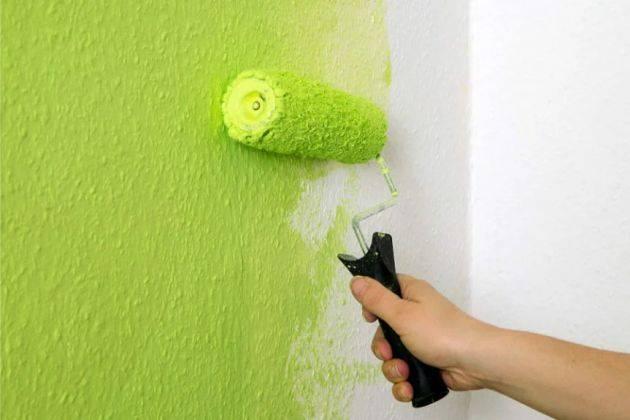 Покраска водоэмульсионной краской: как разводить состав, сколько сохнет, как красить гипсокартон