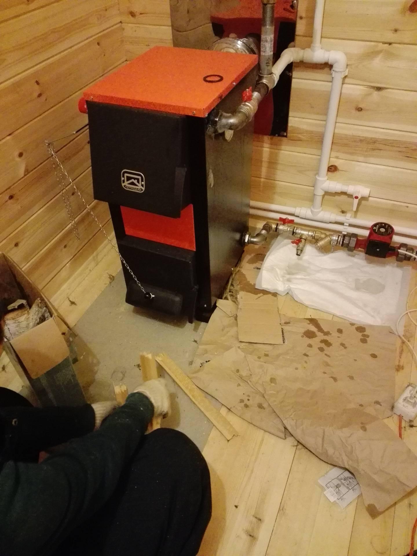 Отопление деревянного дома своими руками: разводка, монтаж, способы