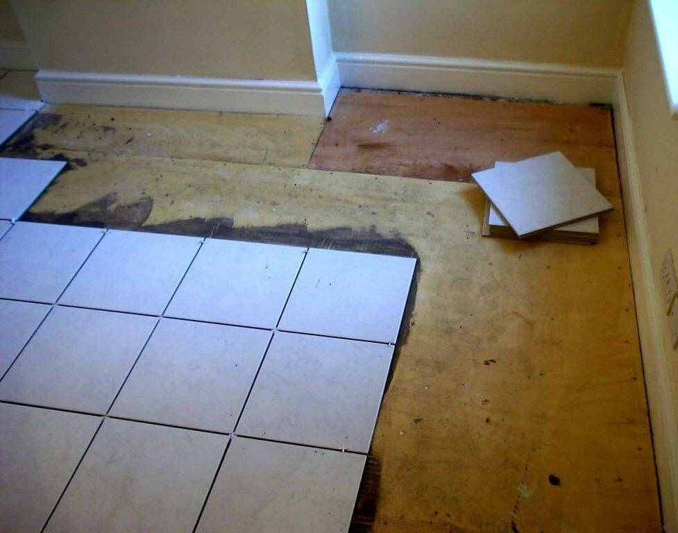 Инструкция по укладке плитки на деревянный пол