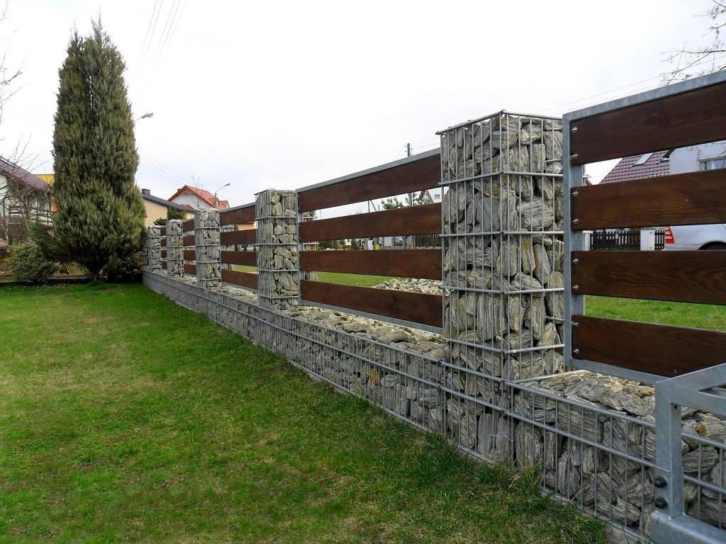 Забор из камня: плюсы и минусы, фото и цена