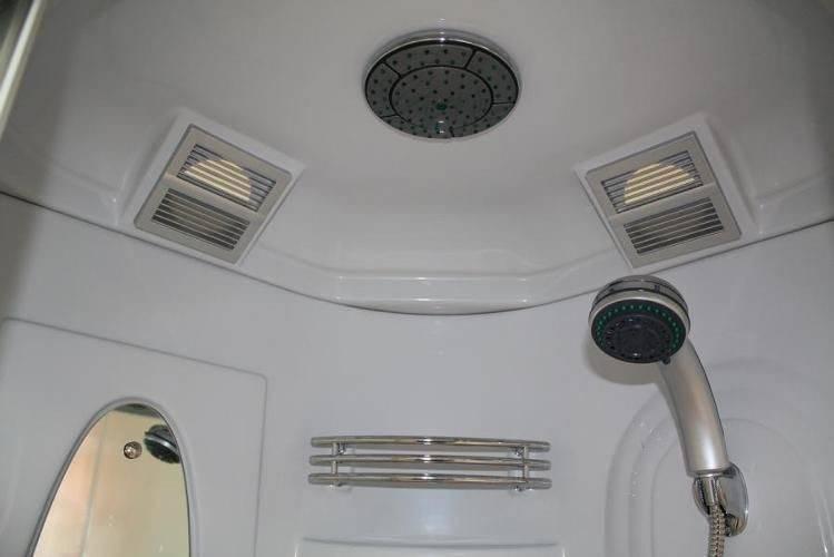 Правила качественной установки душевой кабинки в деревянном доме