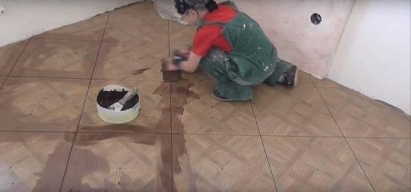 Технология укладки напольной плитки своими руками - на фото и видео показаны виды, способы, методы и правила укладки