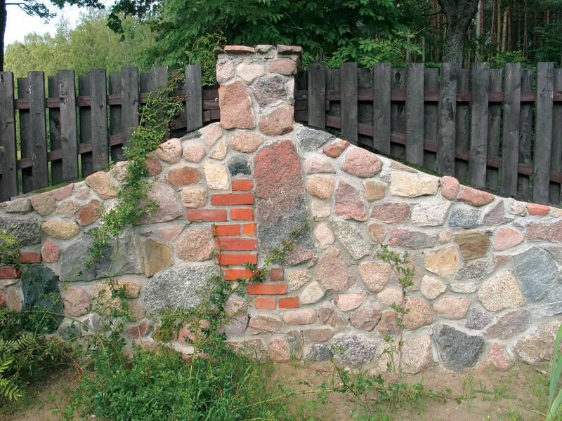 Забор из камня своими руками: пошаговый процесс с пояснениями, как сделать забор