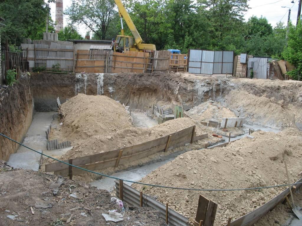 Всё о том, как копать фундамент под жилой дом