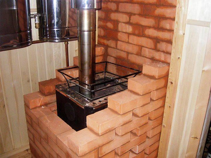 Как обложить кирпичом железную печь в доме