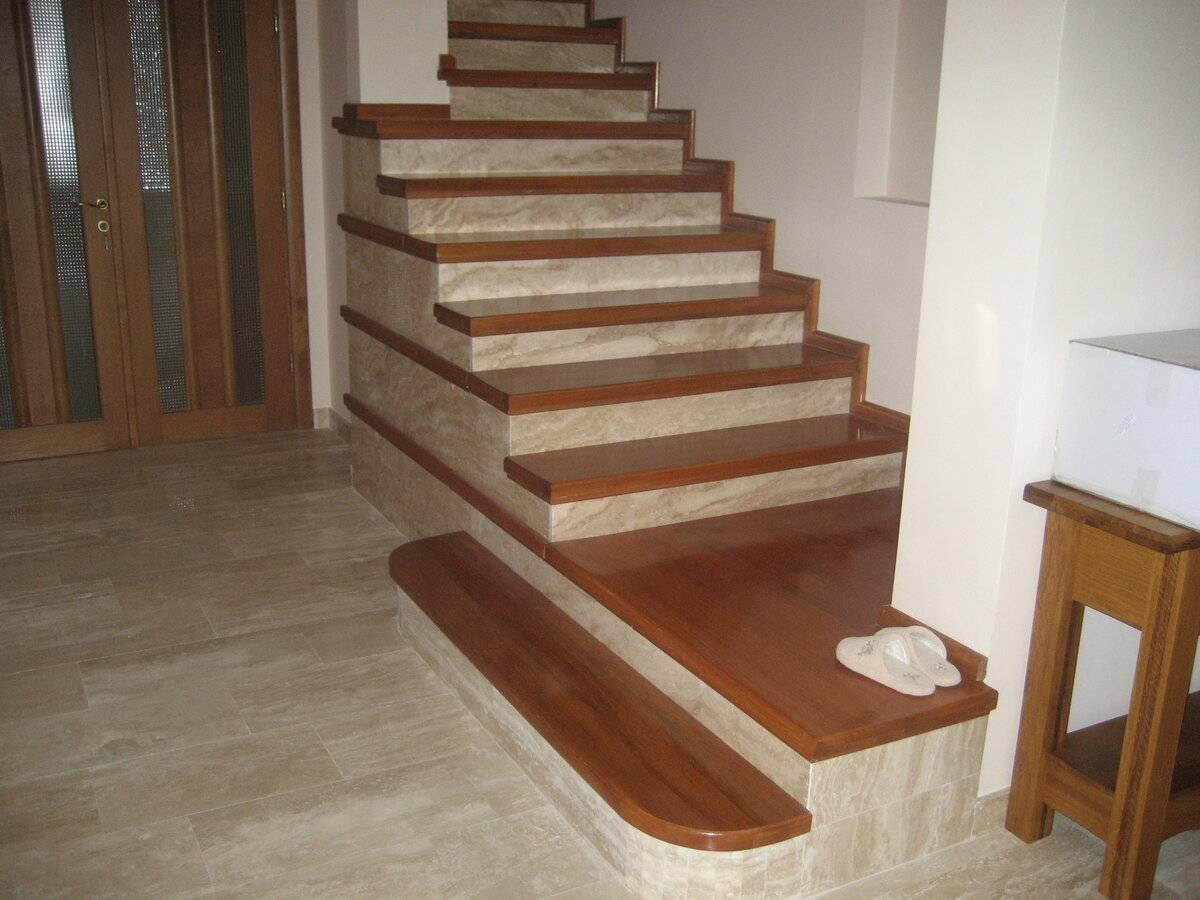 Разбираемся в тонкостях отделки лестницы деревом