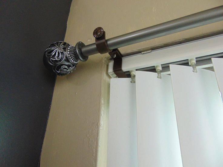 Крепление карниза к натяжному потолку: особенности монтажа