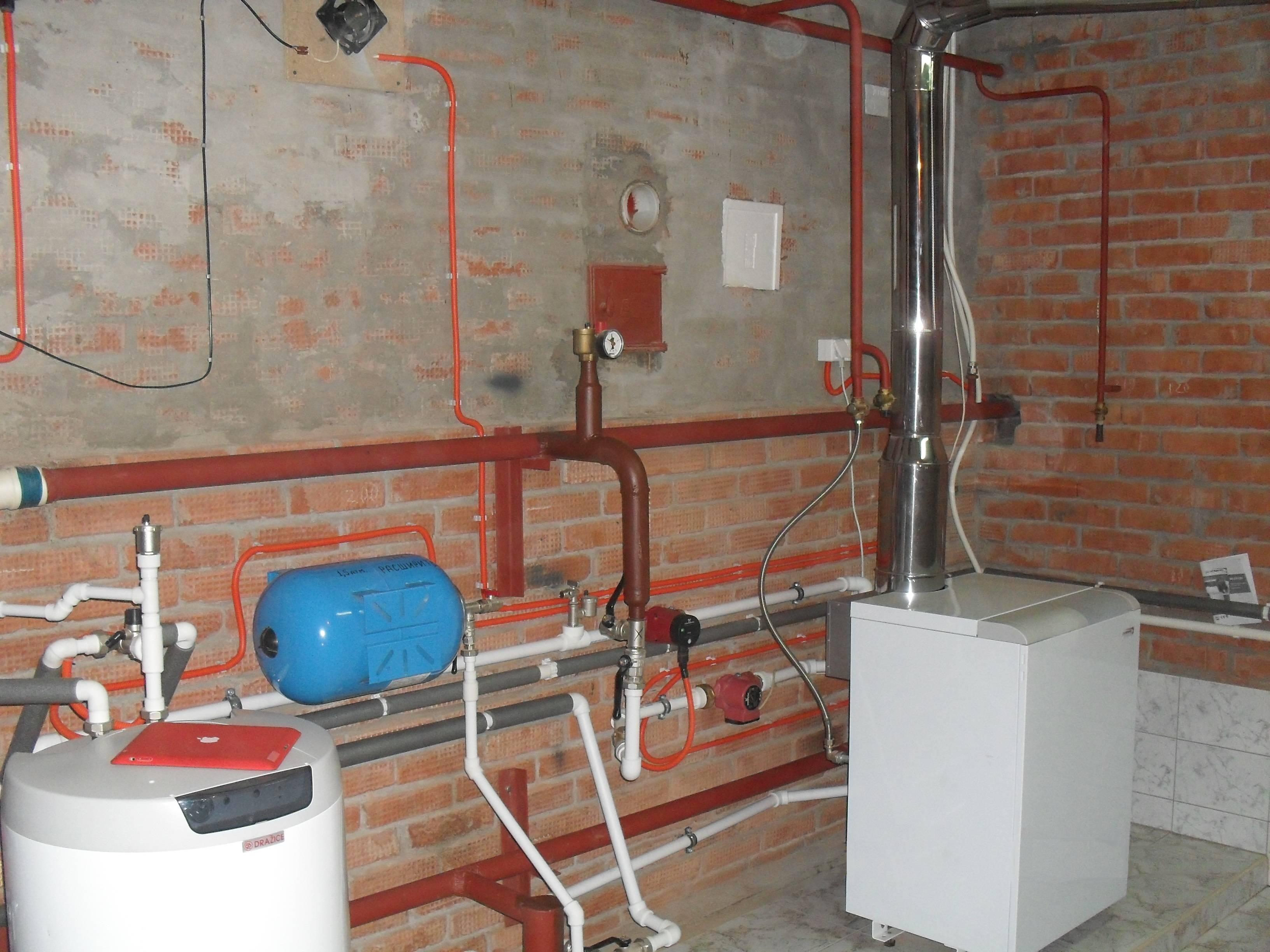 Возможен ли без согласования перенос газового стояка в частном доме?