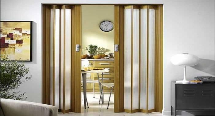 Особенности межкомнатных дверей типа «книжка», инструкции по изготовлению и установке своими руками