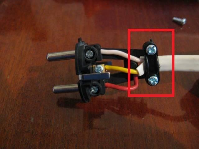 Обслуживание и ремонт. как поменять электрическую вилку на проводе. устройство неразборной электрической вилки