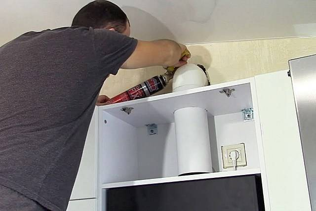 Как подключить вытяжку на кухне к электричеству