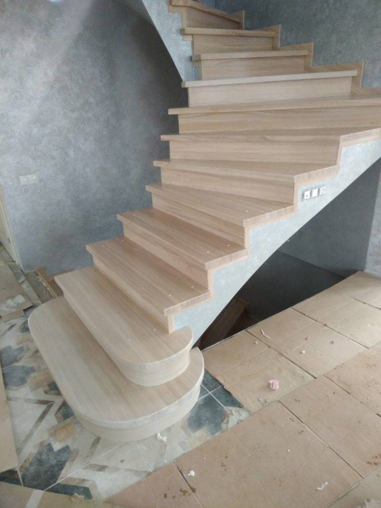 Отделка бетонных лестниц деревом своими руками: схема (видео)