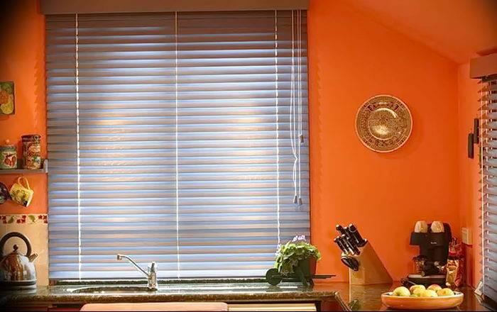 Как выбрать жалюзи на пластиковые окна - советы и рекомендации