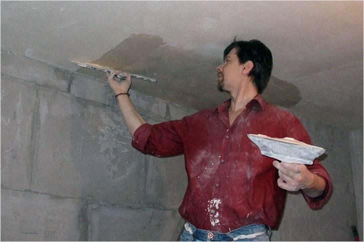 Как выполняется штукатурка потолка своими руками, чтобы получилось красиво: советы, видео