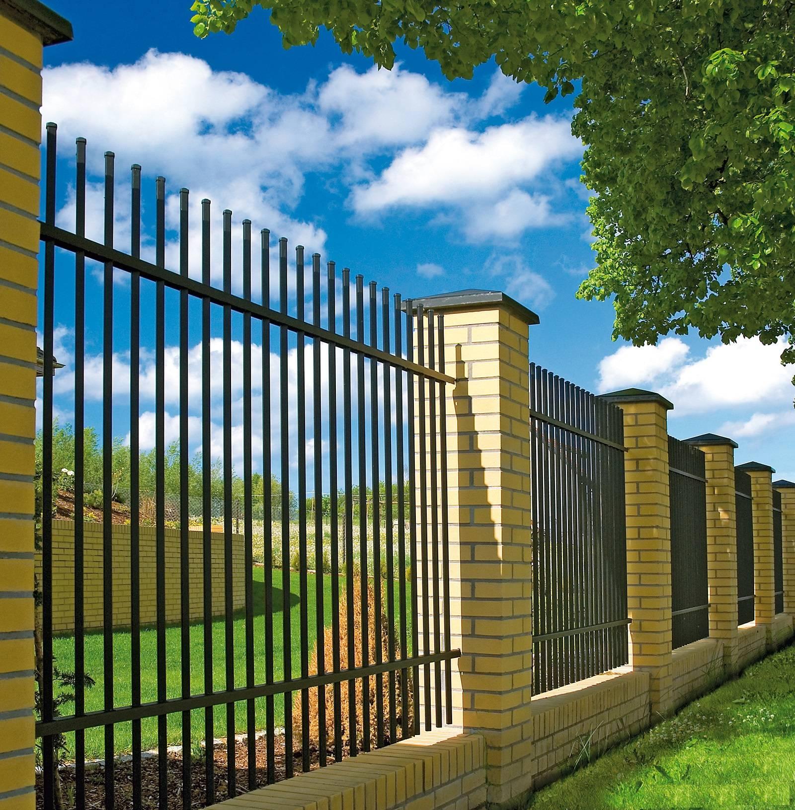 100 вариантов оформления заборов и ограждений для частного дома
