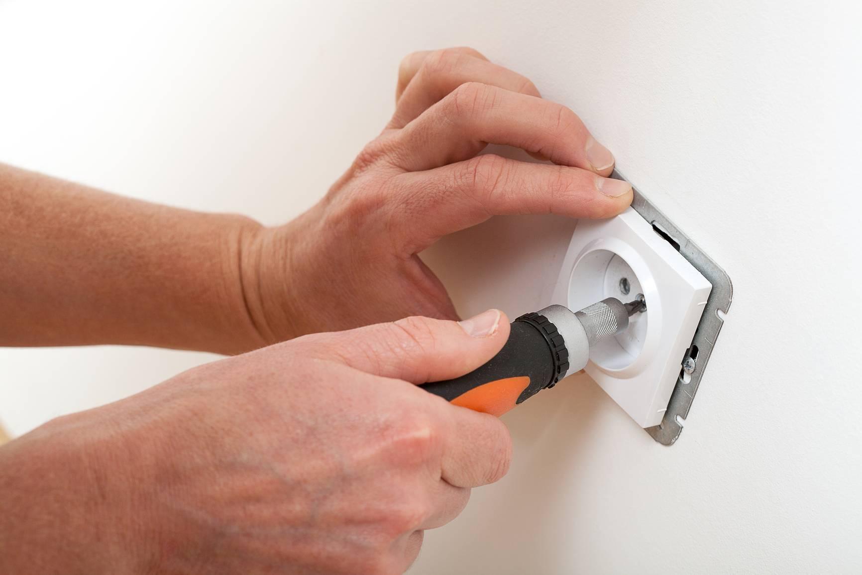 Не работает розетка в квартире: как найти и устранить причину