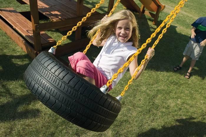 Качели из покрышки своими руками: фото, как закрепить, сделать на цепях, с сеткой, канатные, из велосипедного колеса, для детской площадки, схемы