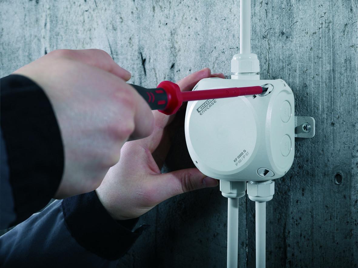Монтаж электропроводки, выбор проводов, установка розеток и выключателей