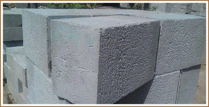 Обзор полистиролбетонных блоков, достоинства и недостатки материала
