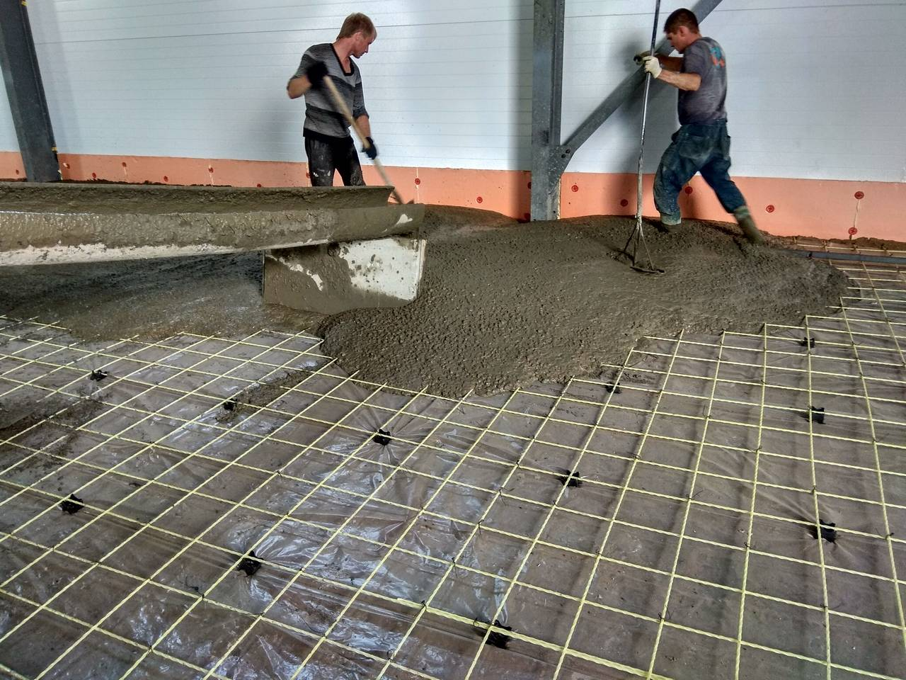 Как своими руками выровнять бетонные полы в гараже