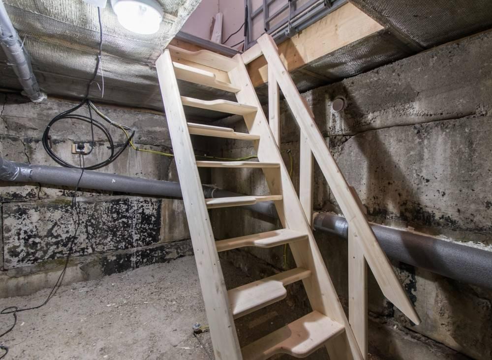 Как правильно построить лестницу в погреб?