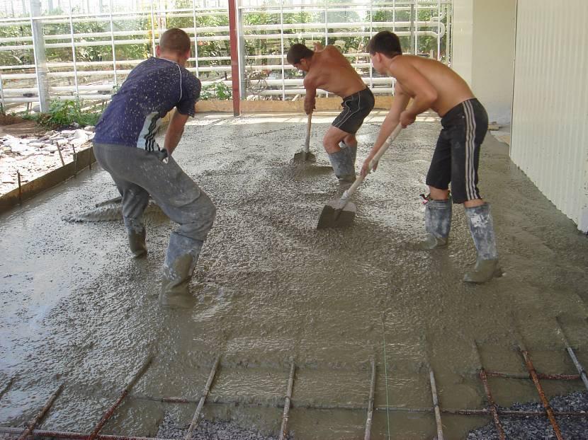 Как сделать бетон: пропорции составляющих для раствора и способы замеса