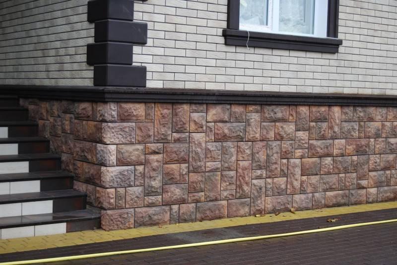Цоколь под камень своими руками из цемента, плиточного клея, бетона, штукатурки: как сделать наружную облицовку вокруг частного дома?