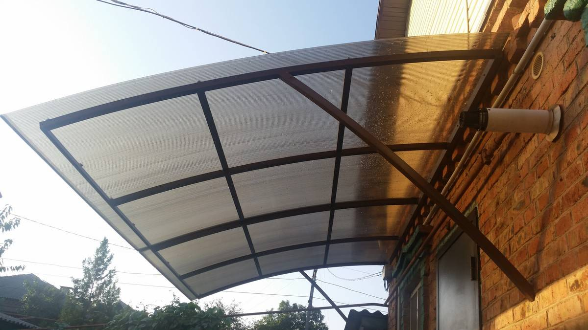 Прозрачная крыша для балкона
