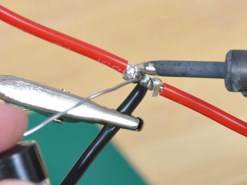 Как правильно паять медные провода паяльником: инструкция