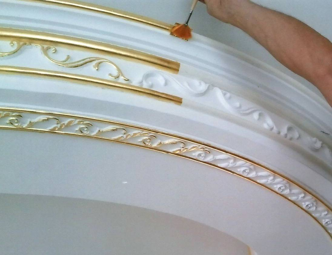 Чем покрасить потолочную плитку: какой краской красят, можно ли красить потолочную плитку из пенопласта, покраска водоэмульсионной краской, как побелить