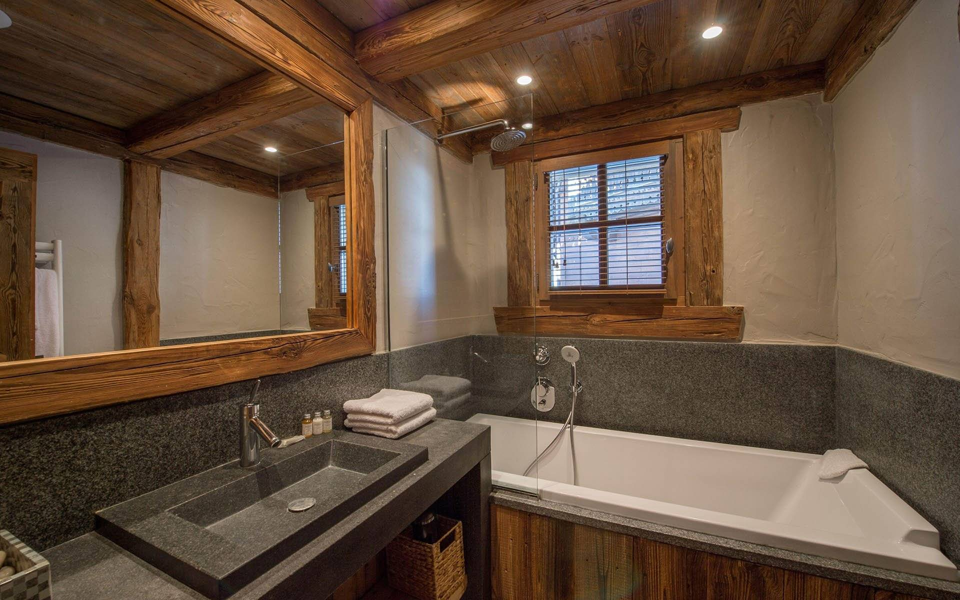 Ванная в деревянном доме: 130 фото идей современного дизайна и советы по украшению