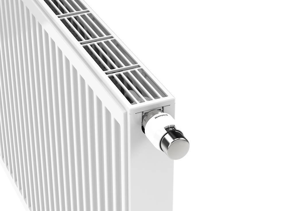 Панельные радиаторы отопления стальные: технические характеристики металлических батарей с нижним подключением, расчет по площади