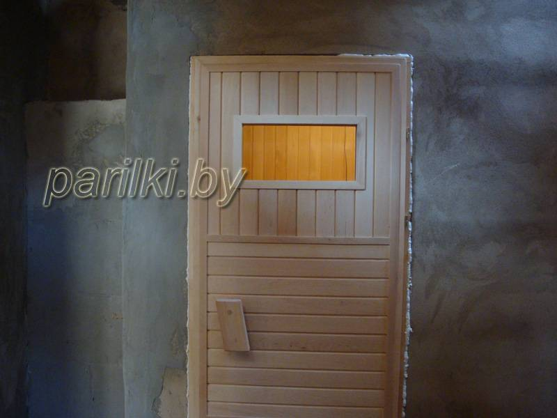 Виды и правила установки двери в баню