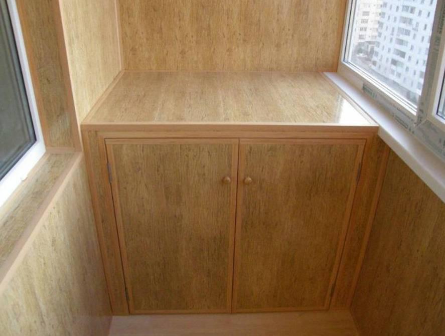 Встроенный шкаф на балкон (43 фото): встраиваемые модели для лоджии, как собрать шкаф-купе своими руками