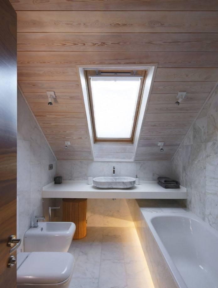 Ванная комната в деревянном доме – как сделать, чем отделать? (видео)