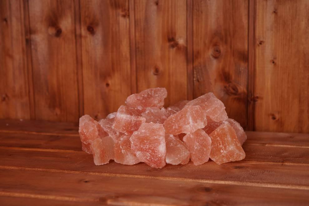 Гималайская розовая соль: её полезные свойства и вред от неё, польза от лечебных солевых ванн