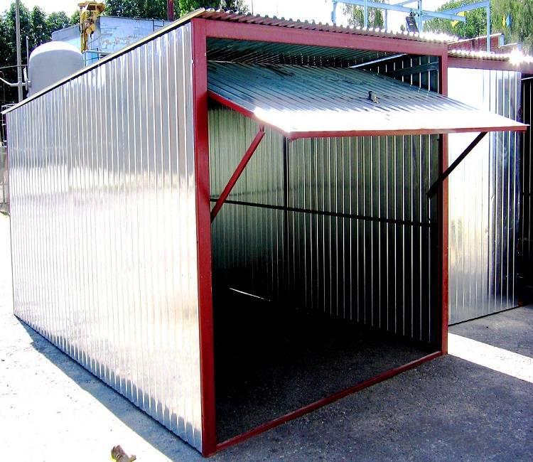 Металлический сарай: виды и особенности постройки