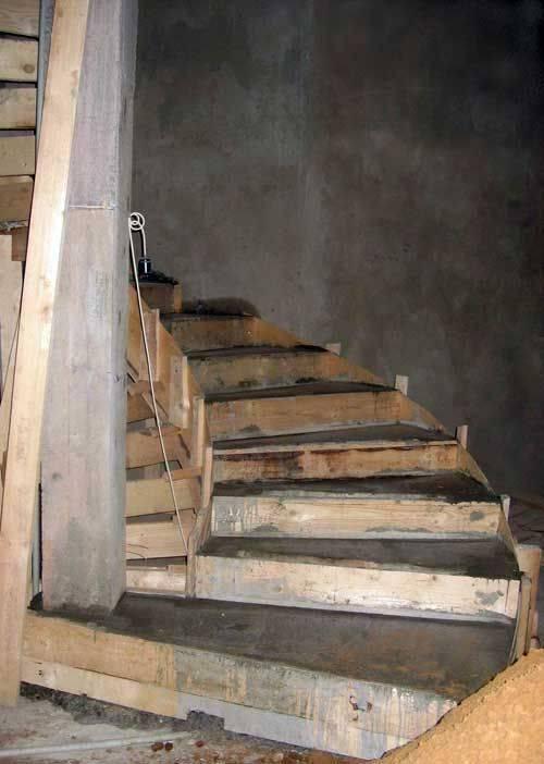 Лестница в погреб своими руками: фото как сделать своими руками, удобная из дерева, в кирпичный
