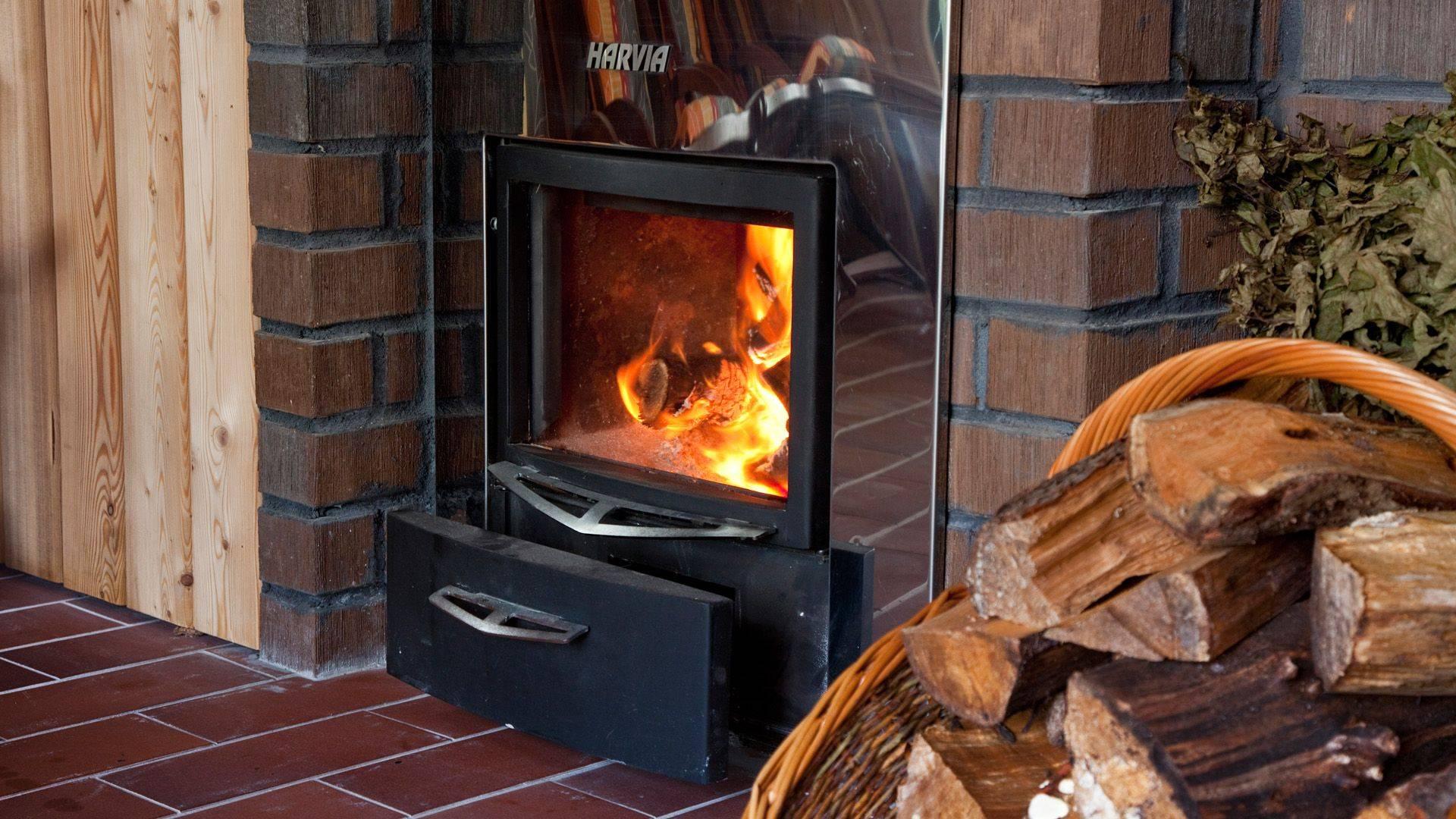 Отличия финской печи для отопления дома, плюсы и минусы ее установки, известные марки, как монтировать и подключить
