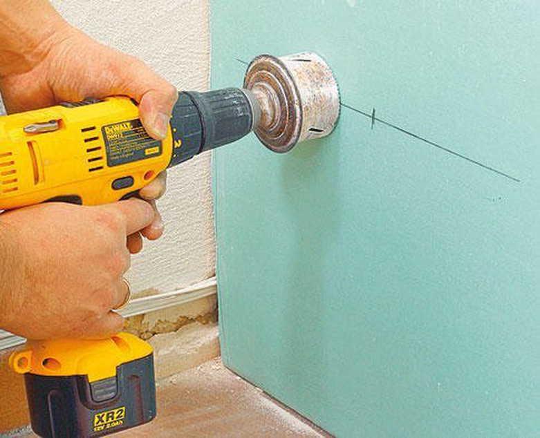 Как установить розетку в стене из гипсокартона