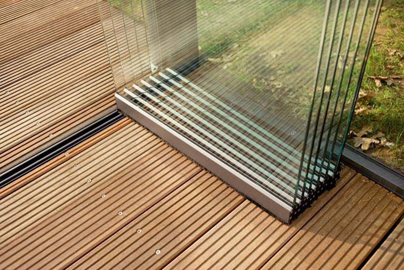 Раздвижные окна для террасы - виды, материалы, остекление